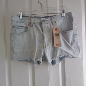 Nwt Womens Levis 501 Floral Embroidered Jean Short